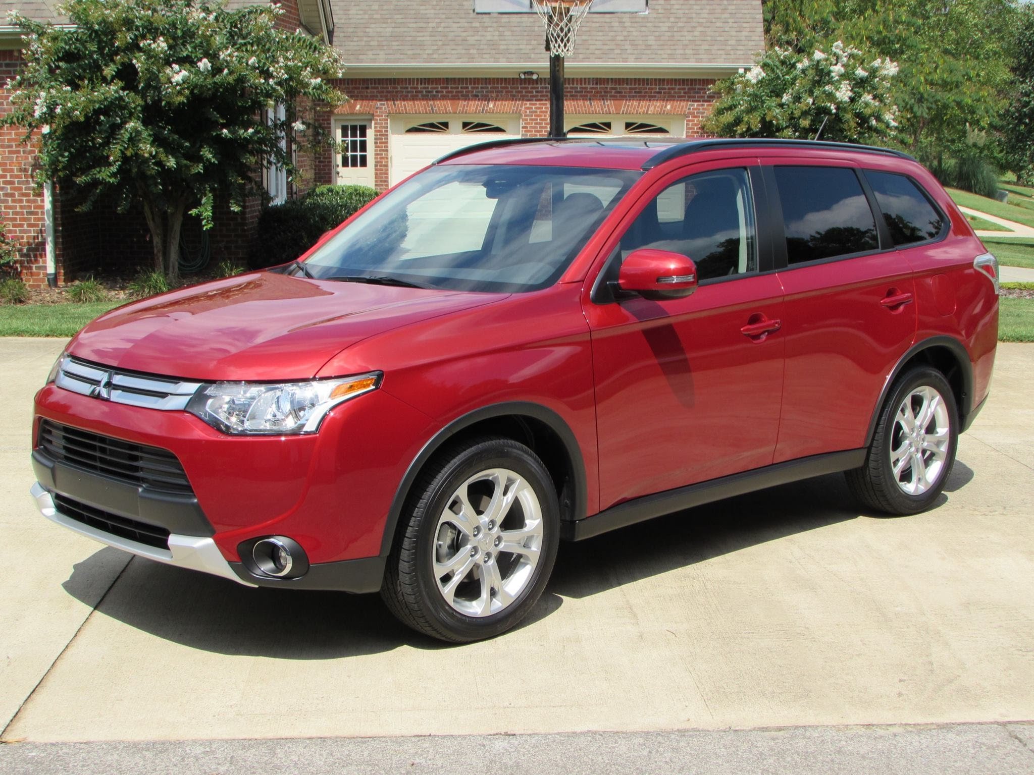2015 Mitsubishi Outlander Car Review Video